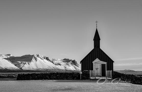 Buðir black church